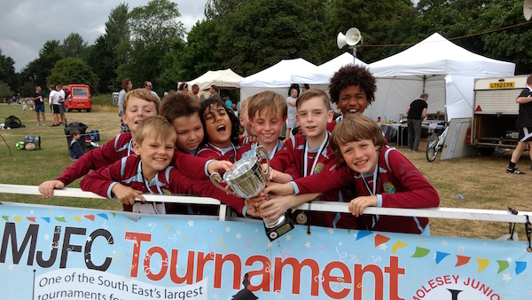 U10 Swans Fairplay trophy Jun 17